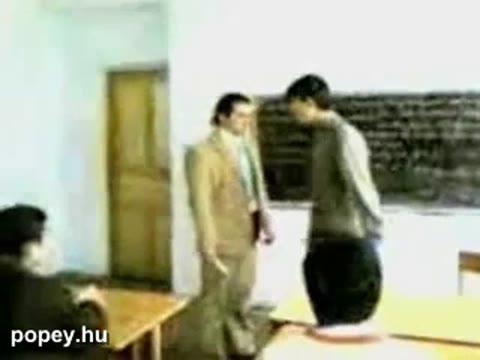 Tanár és diák bunyó