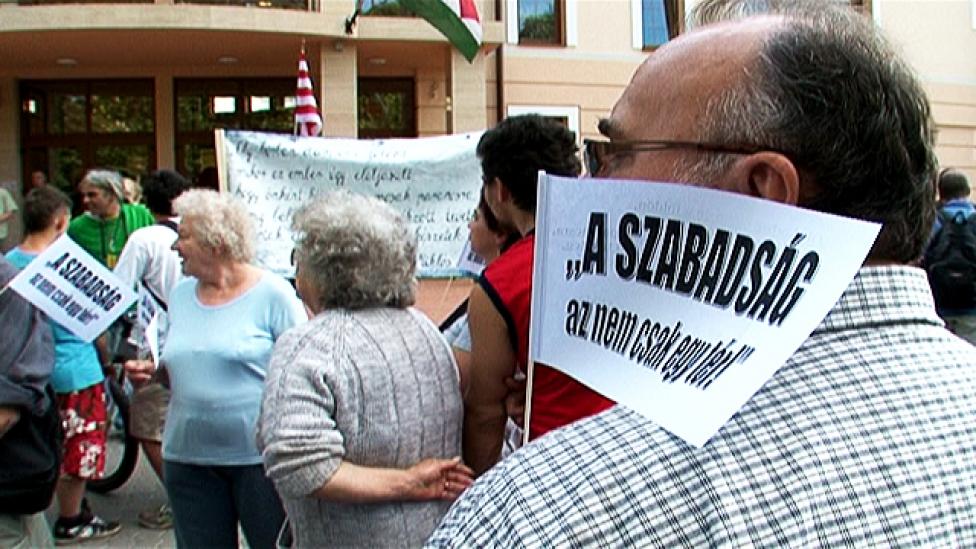 A Horthy tér ellen tüntettek Gyömrőn