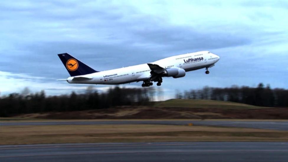 450 ezer kiló, és repül