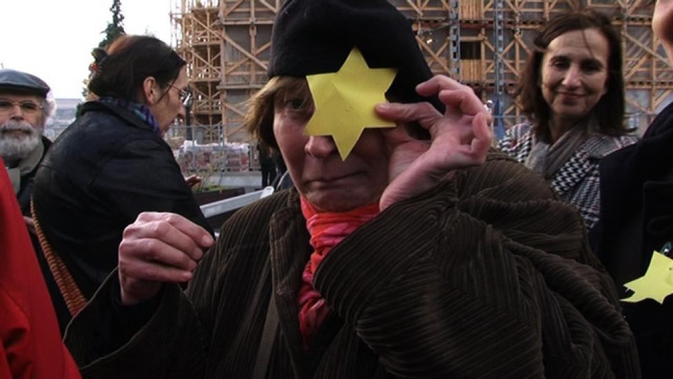 Először viselek sárga csillagot, és reggel óta zokogok