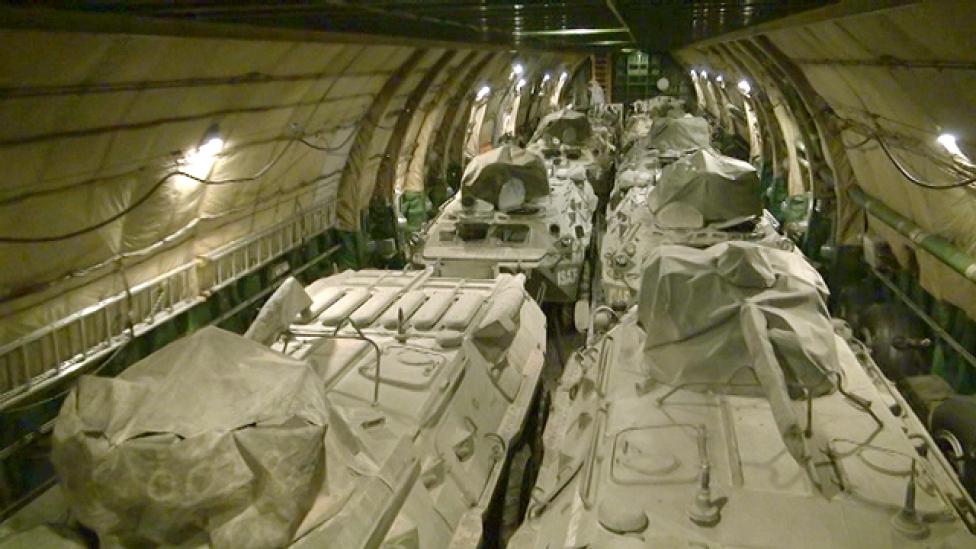 Gigarepülővel indulnak haza a magyar harcjárművek
