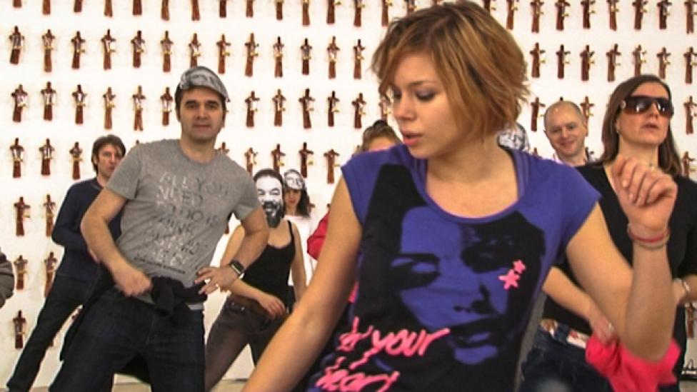 Fekete Györgyök táncoltak Gangnamet a Műcsarnokban