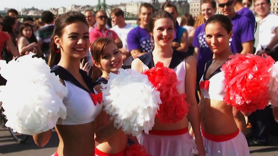 A Dunai Regattán indult el a fesztiválszezon