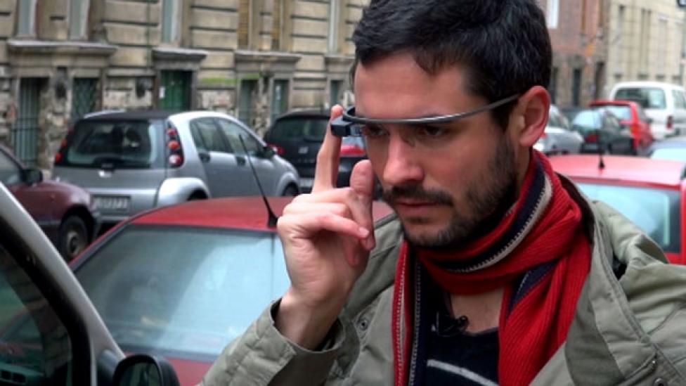 Kipróbáltuk a Google Glass okosszemüveget