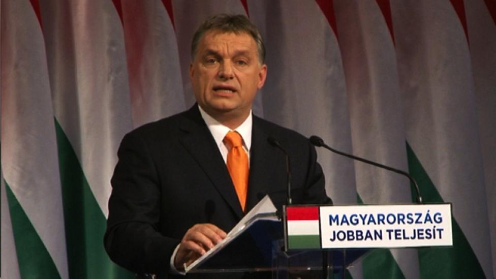Hallgassa meg Orbán Viktort, a kommunistázót!