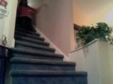 Csajok a lépcsőn