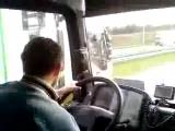 Házibuli a kamionban