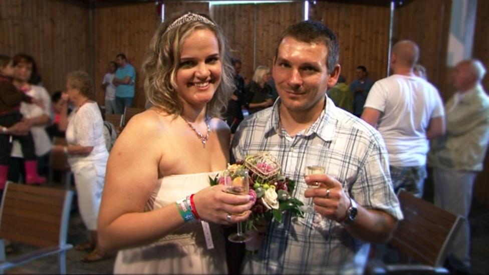 A Sziget első igazi esküvője