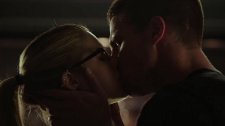 Felicity & Oliver - Listen to your Heart