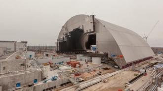 Helyére került a csernobili hangár