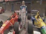 Michael Schumacher autói Martin Brundle...