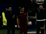 Francesco Totti gets standing ovation from...