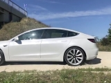 Tesla Model 3 Performance start laza talajon...